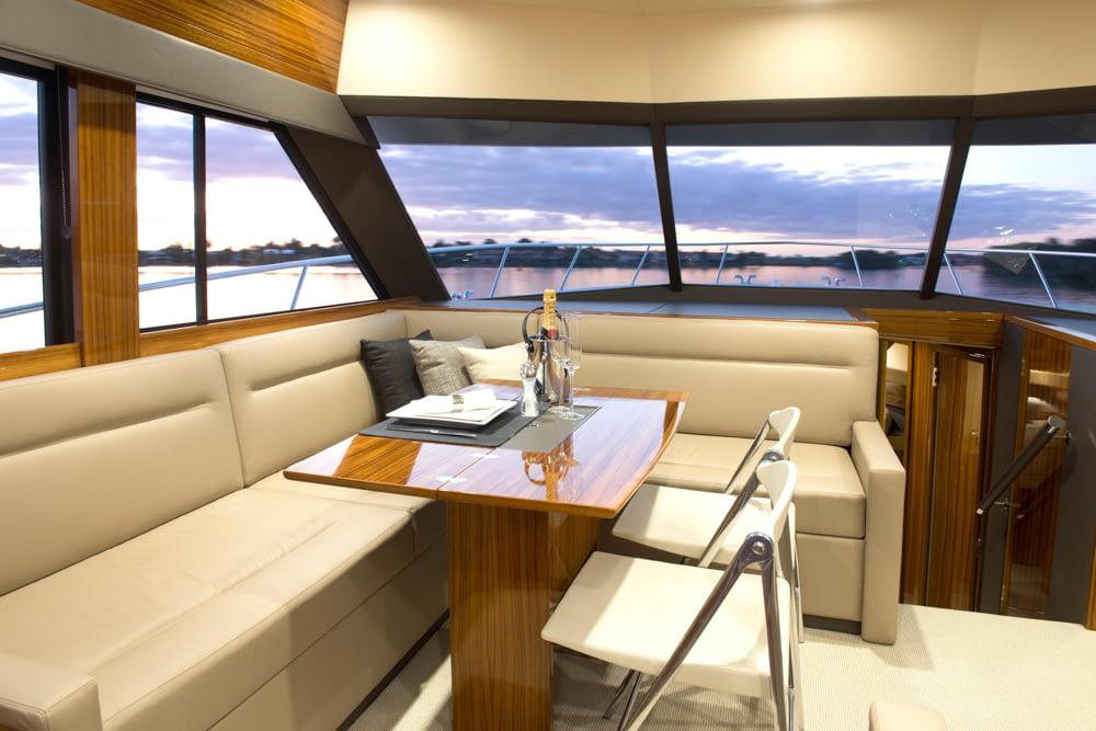Maritimo-M54-Cruising-Motoryacht-021
