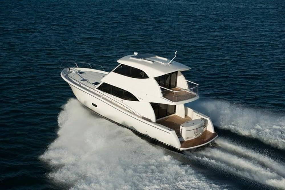 Maritimo-M54-Cruising-Motoryacht-002