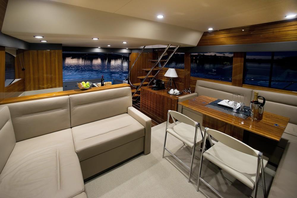 Maritimo-M54-Cruising-Motoryacht-018