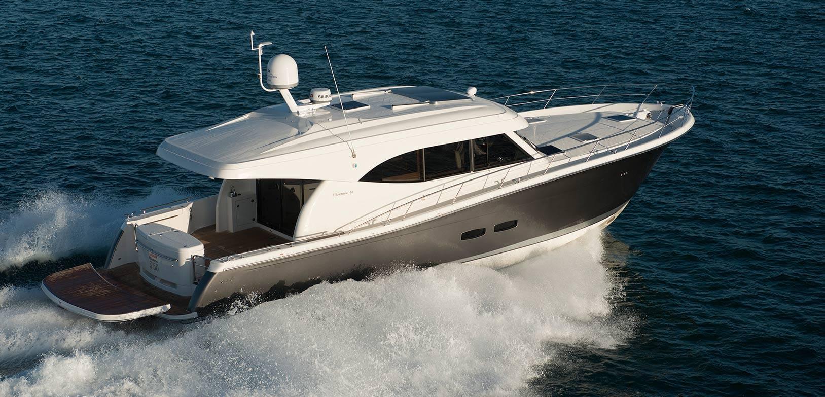 Maritimo-S54-Sedan-Motoryacht-005