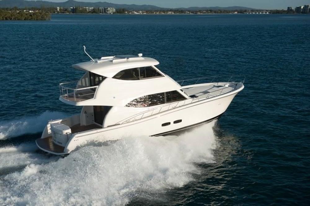 Maritimo-M54-Cruising-Motoryacht-004