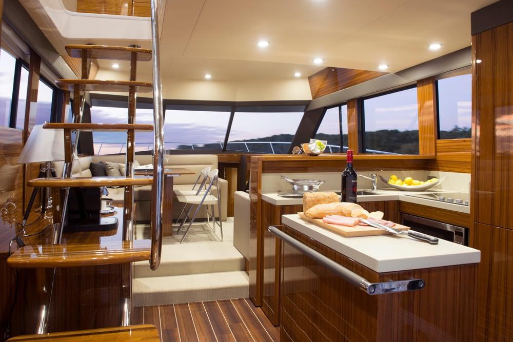 Maritimo-M54-Cruising-Motoryacht-020