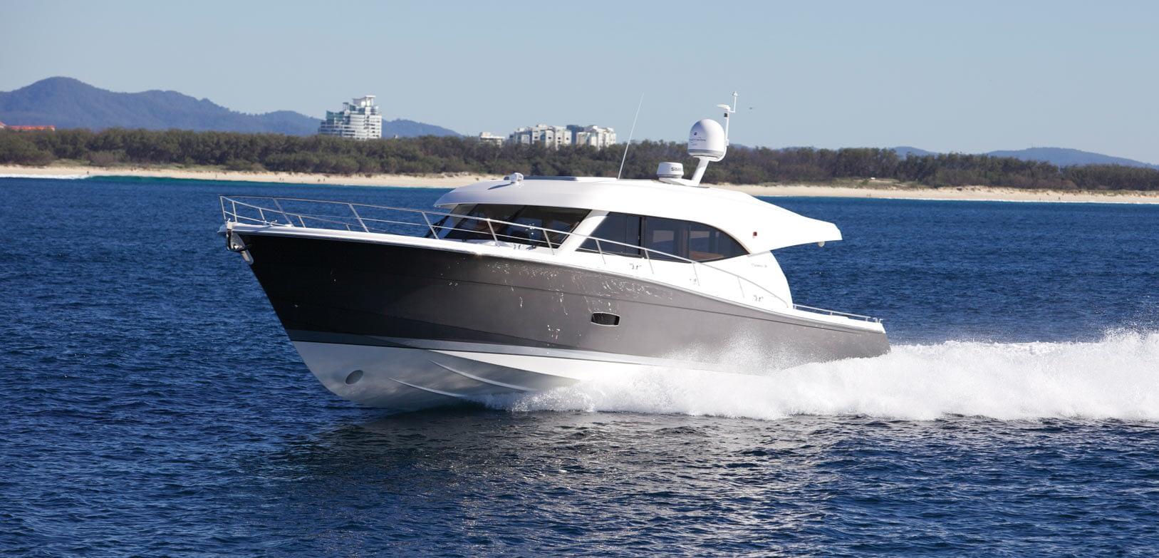 Maritimo-S54-Sedan-Motoryacht-004