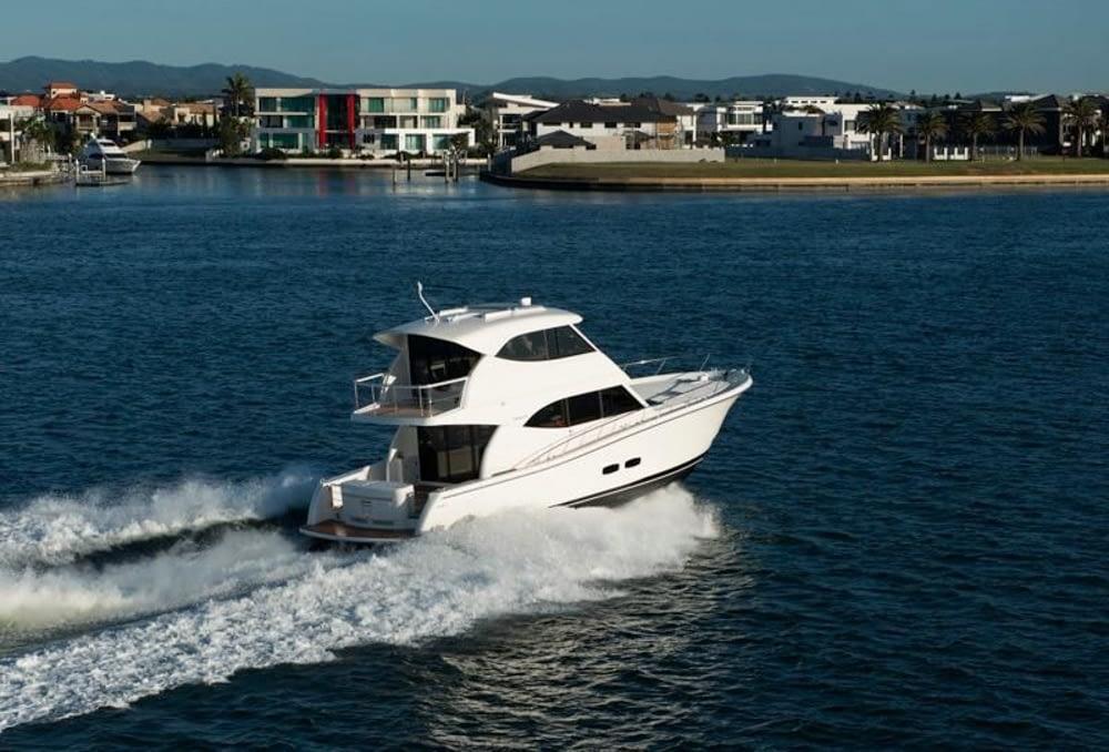 Maritimo-M54-Cruising-Motoryacht-008