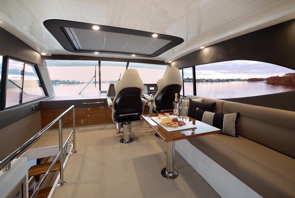 Maritimo-M54-Cruising-Motoryacht-014