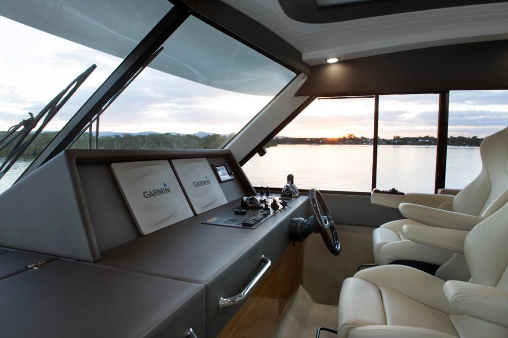 Maritimo-M54-Cruising-Motoryacht-016